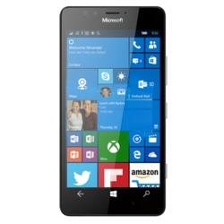 "Smartphone Microsoft Lumia 950 - Smartphone - 4G LTE - 32 Go - microSDXC slot - GSM - 5.2"" - 2560 x 1440 pixels (564 ppi) - AMOLED - 20 MP (caméra avant de 5 mégapixels) - Windows 10 - noir"