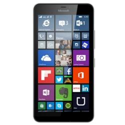 "Smartphone Microsoft Lumia 640 Dual Sim - Smartphone - double SIM - 3G - 8 Go - microSDXC slot - GSM - 5"" - 1 280 x 720 pixels (294 ppi) - IPS - 8 MP (caméra avant de 0,9 mégapixels) - Windows Phone 8 - blanc"