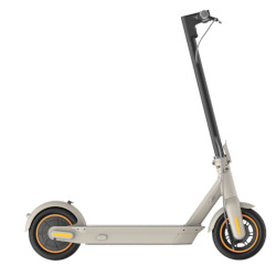 Monopattino elettrico Ninebot - By Segway - G30LE Velocità 25km/h Autonomia 40km Motore 350W Bianco